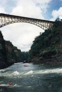 Victoria-Brücke zw. Z2 und 9J2 über dem Sambesi